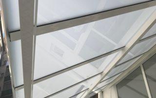 Pergolas de aluminio con vidrio laminado barcelona 3